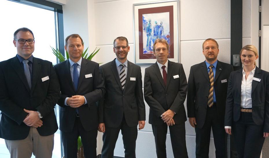 Präsentierten stolz den neuen Standort: (v.l.n.r.) Ullrich Imann, Dr. Frank Mannewitz, Thomas Männer, Dr. Dietmar Freitag, Johannes Schweinsberg und Julia Reiss.